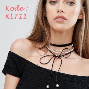 KL711
