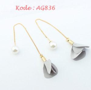 AG836