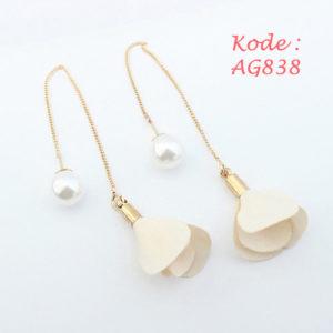 AG838